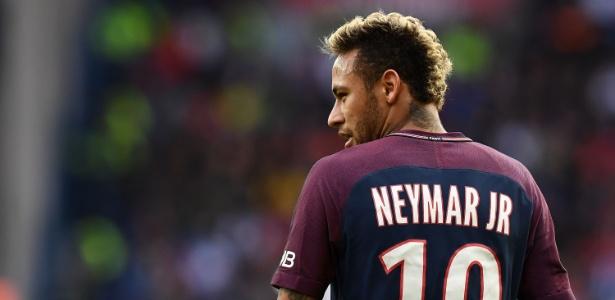 Neymar deixou a França para servir seleção brasileira pelos próximos 10 dias