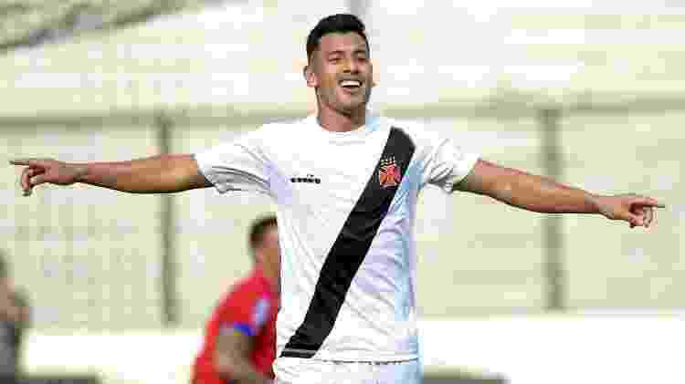 Andres Rios comemora gol do Vasco contra o Nova Iguaçu - Thiago Ribeiro/AGIF - Thiago Ribeiro/AGIF