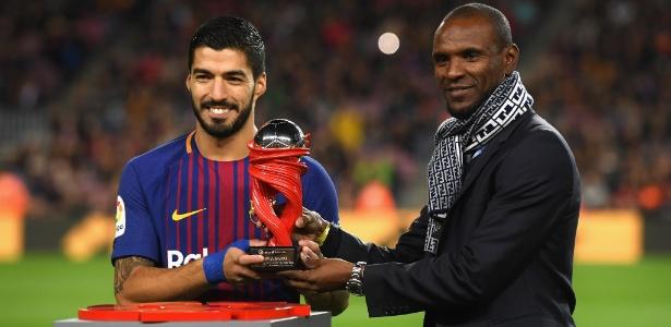 Ex-jogador do Barcelona, Abidal (dir.) foi embaixador do clube antes de se tornar executivo - David Ramos/Getty Images