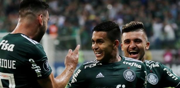 Dudu comemora o golaço que abriu o placar para o Palmeiras no Allianz Parque