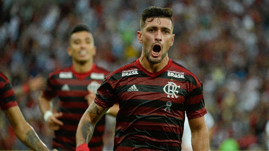 Resultado de imagem para arrascaeta Flamengo volta a bater Vasco por 2 a 0