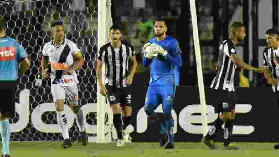 Everson, goleiro do Santos, durante a partida contra o Vasco - Ivan Storti/Santos FC