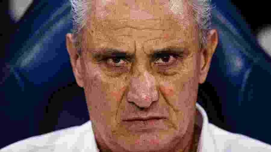 Tite observa a seleção em derrota para a Argentina em Riad, na Arábia Saudita -  Eurasia Sport Images/Getty Images