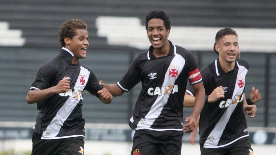 João Pedro, Miranda e Caio Lopes são três dos sete remanescentes do Vasco no vice da Copinha de 2019 - Paulo Fernandes / Vasco