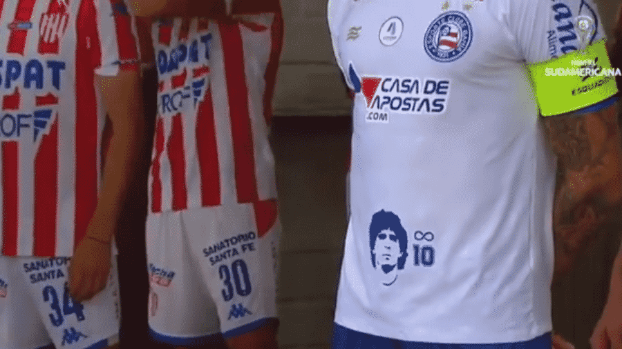 Bahia homenageia Maradona em uniforme em partida da Copa Sul-Americana - Reprodução