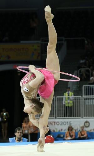 Angélica Kvieczynski se apresenta nas eliminatórias da ginástica rítmica do Pan