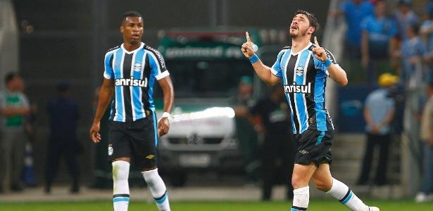 Meia jogou nos dois grandes de Porto Alegre e agora volta para o leste europeu