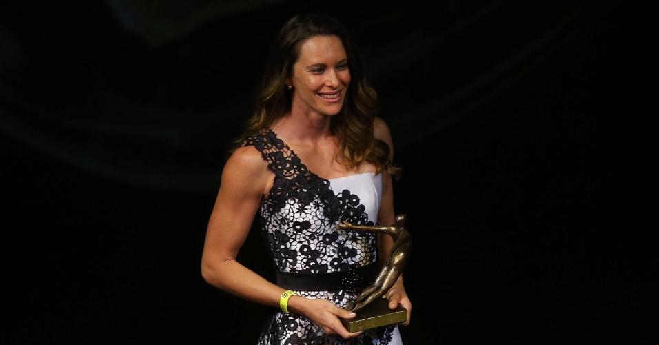 Fabiana Murer na premiação, no Rio de Janeiro. Ela levou o título de melhor do atletismo