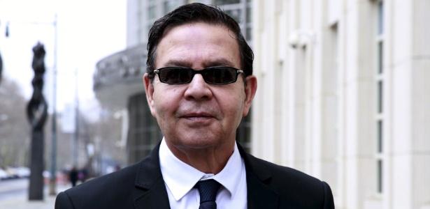 Rafael Callejas sai de tribunal em Nova York