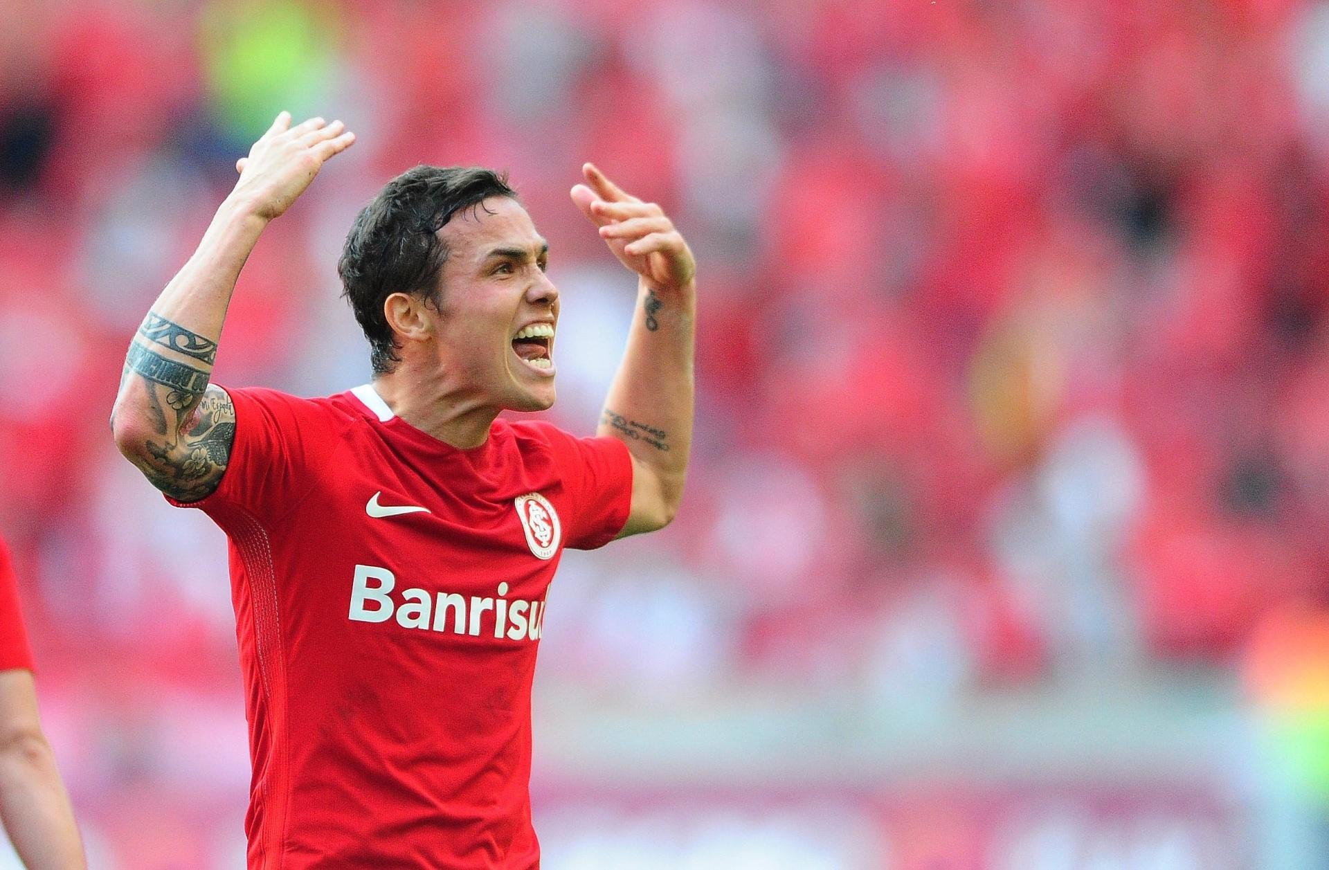 Técnico do Santa Fé rejeita Seijas e esfria negociação para saída do Inter  - Esporte - BOL 1cdd365d64454