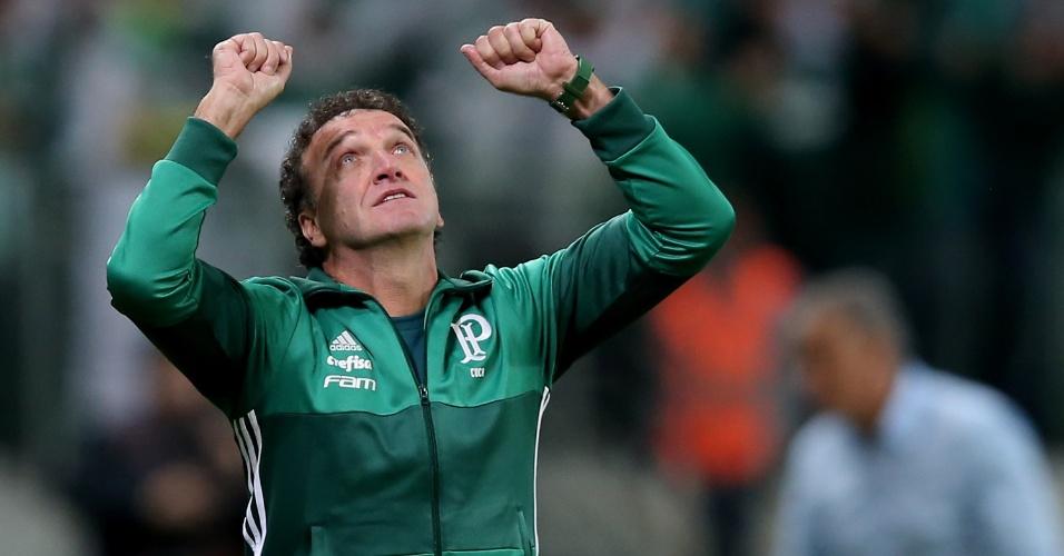 Cuca comemora vitória sobre o Corinthians no Brasileirão