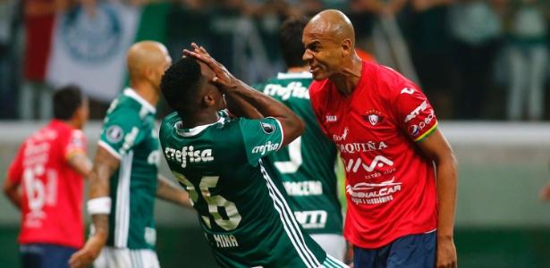 Alex Silva atualmente defende o Jorge Wilstermann, time que está na Libertadores