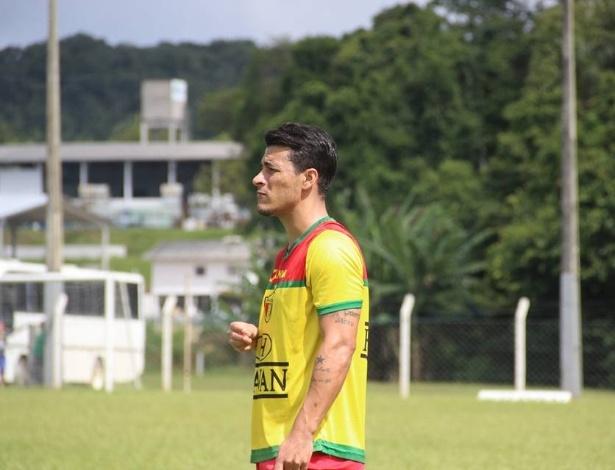 Jonatas Belusso pode pintar no Atlético no Brasileirão