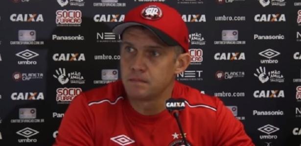 Atualmente à frente do Atlético-PR, Baptista vai enfrentar ex-clube, onde viveu crises