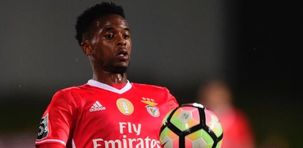 Lateral-direito Nelson Semedo fará exames clínicos no Barça na sexta