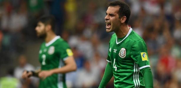 Rafa Márquez em ação pelo México na Copa das Confederações de 2017