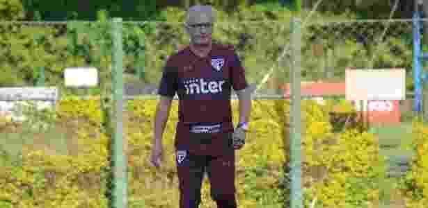 Dorival Júnior, técnico do São Paulo, em ação durante treino do time - Divulgação/saopaulofc.net