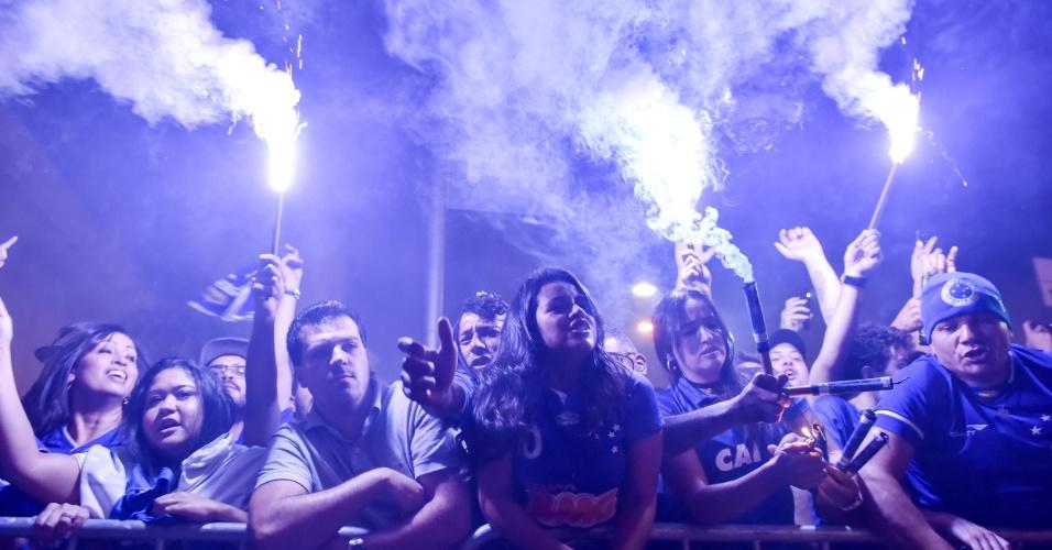 Torcida do Cruzeiro faz festa antes de final contra o Flamengo