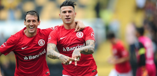 Victor Cuesta rasgou elogios à postura do Inter sob comando de Odair Hellmann