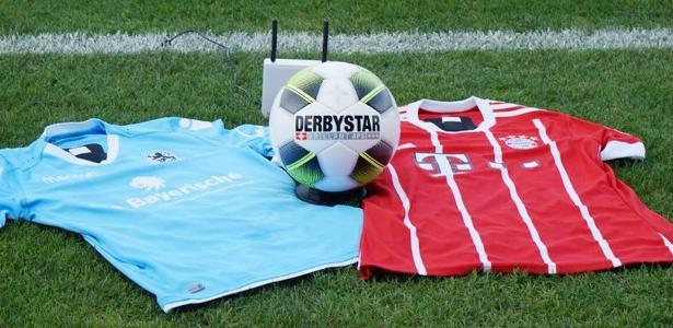 Camisas de Munique 1860 e Bayern de Munique II antes de jogo da 4ª divisão