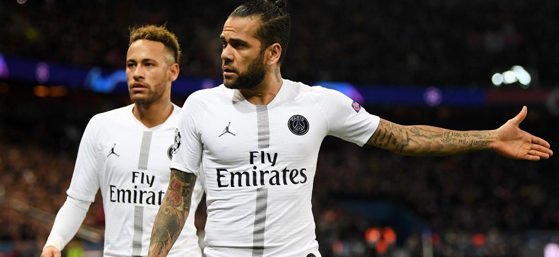 c3281eacdc Champions League: Sem Neymar e Cavani, PSG recorre a Daniel Alves ...