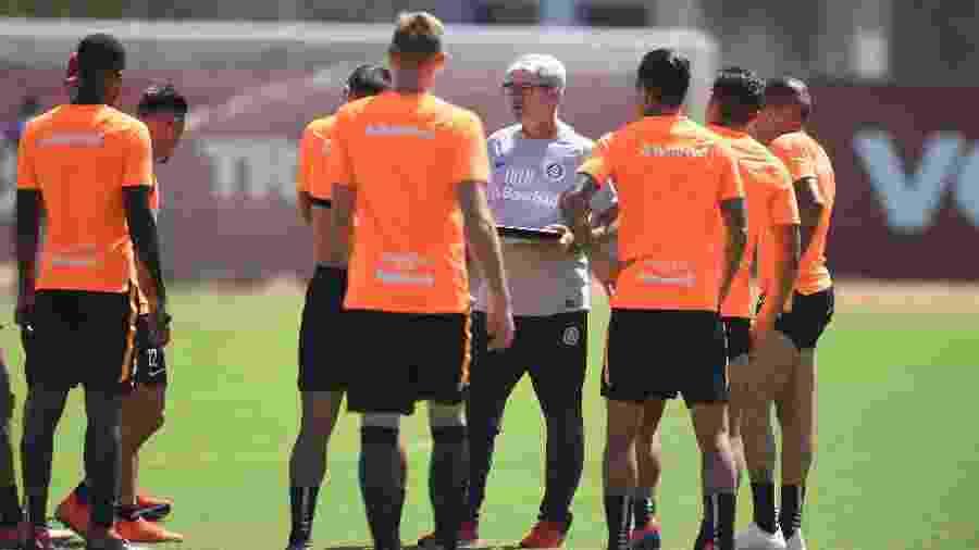"""Odair Hellmann testou time sem D""""Alessandro e Rafael Sobis contra o São José-POA - Ricardo Duarte/SC Internacional"""