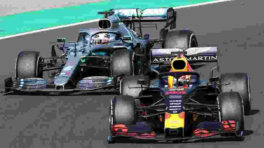 Verstappen e Hamilton brigam pela liderança do GP da Hungria - FERENC ISZA / AFP
