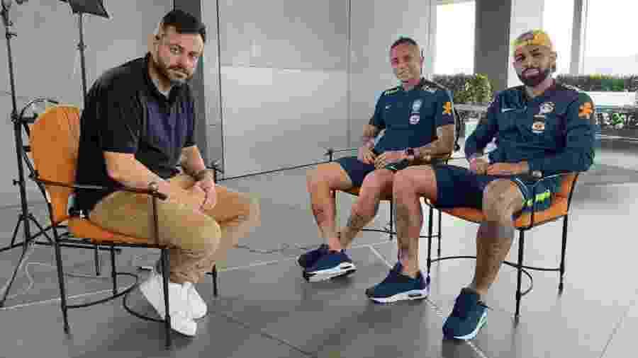 Repórter Eric Faria, da Globo, entrevista Gabigol e Cebolinha para o Esporte Espetacular - Divulgação