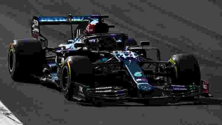 Lewis Hamilton no GP da Itália. Britânico foi punido com 10 segundos por ter entrado nos boxes quando não era permitido e despencou nas posições  - Clive Mason - Formula 1/Formula 1 via Getty Images - Clive Mason - Formula 1/Formula 1 via Getty Images