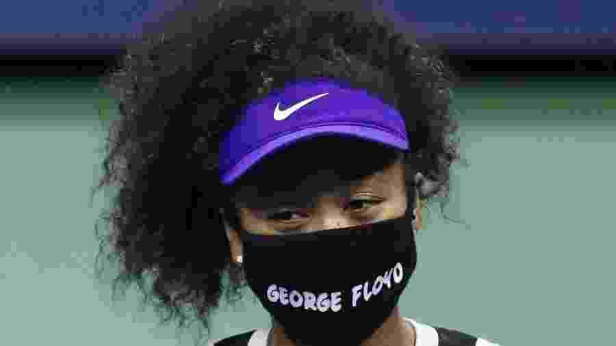 8.set.2020 - Naomi Osaka usando máscara facial com o nome de George Floyd no US Open - Matthew Stockman / Getty Images
