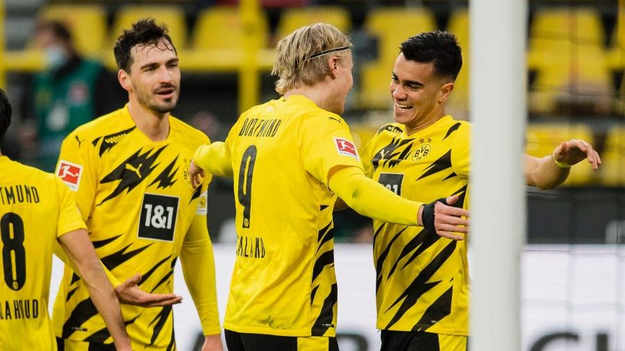 Reinier recebe abraço de Haaland após 1º gol na elite da Europa - Divulgação