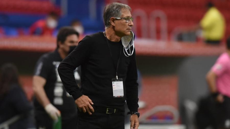 Técnico Ariel Holan comanda o Santos contra o San Lorenzo, pela Libertadores - Ivan Storti