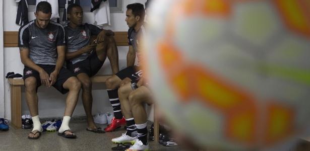 Renato Augusto, Elias e Jadson: novos jogadores no Corinthians de 2015