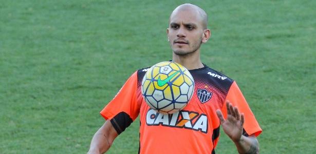Fábio Santos vive bom momento no Atlético-MG e reencontra o Corinthians, nesta quarta-feira