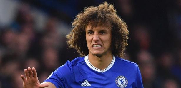 David Luiz é um dos destaques da boa campanha do Chelsea na Premier League