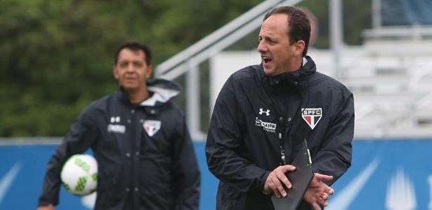 Rogério Ceni assumiu o comando do São Paulo nesta temporada
