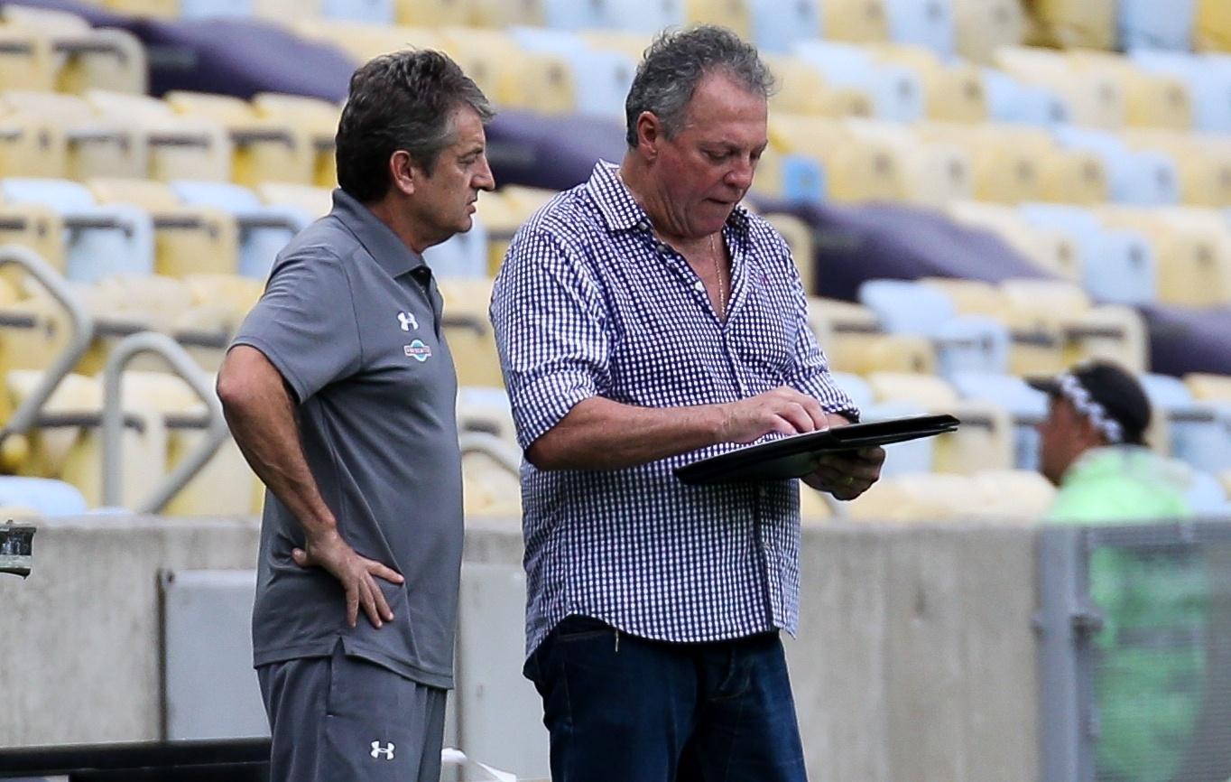 Abel Braga, durante a partida entre Fluminense e Botafogo