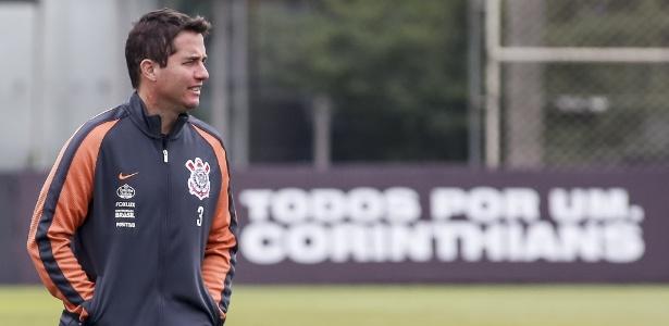 Osmar Loss vai ter bastante trabalho para acertar o Corinthians durante a Copa