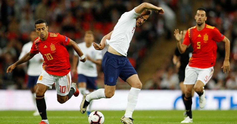 Thiago Alcântara e Harry Kane durante Inglaterra x Espanha, pela Liga das Nações