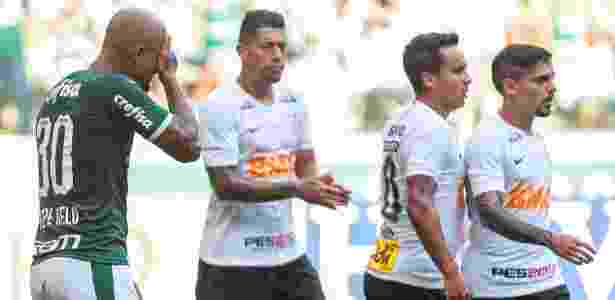 Felipe Melo, do Palmeiras, lamenta chance perdida contra o Corinthians - Ale Cabral/AGIF