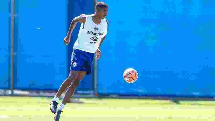 Aos 20 anos, Jean Pyerre ganhará cada vez mais espaço como reserva de Luan  - Lucas Uebel/Grêmio