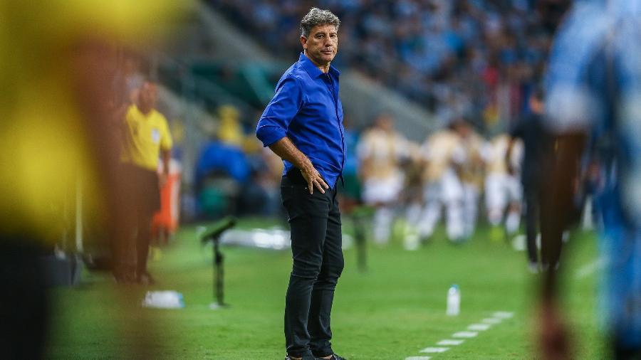 Renato Gaúcho brinca e diz que gostaria de virar comentarista para rebater críticas - Lucas Uebel/Grêmio