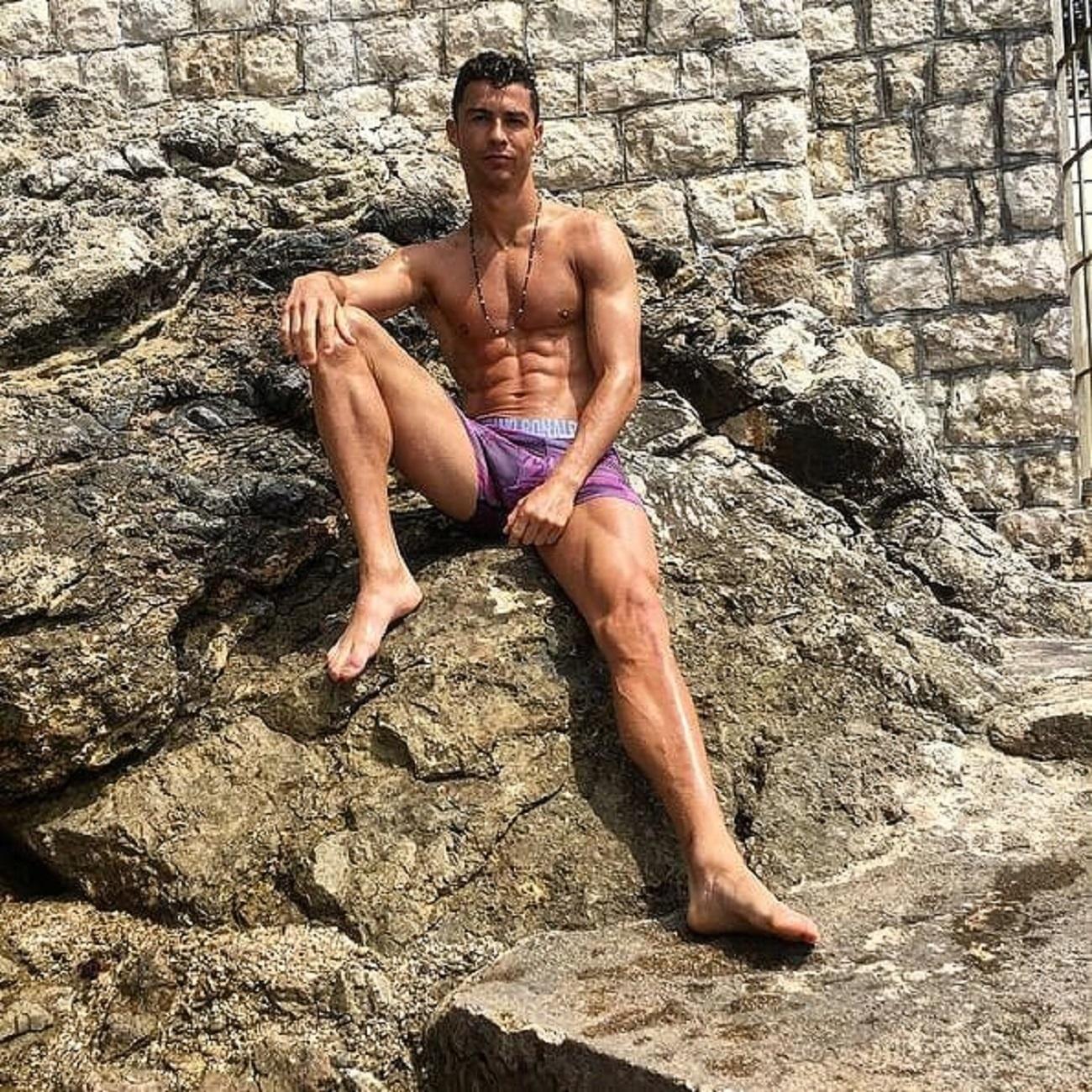 0c8ab17d0 Ex-jogador português acredita que perda de troféu abalou Cristiano ...