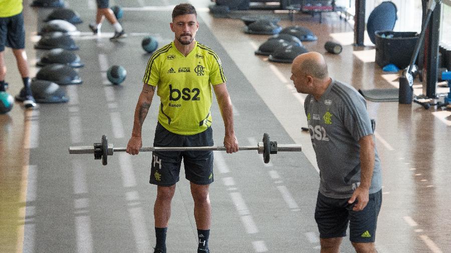 Arrascaeta se reapresenta ao Flamengo após defender Uruguai na Copa América - Alexandre Vidal / Flamengo