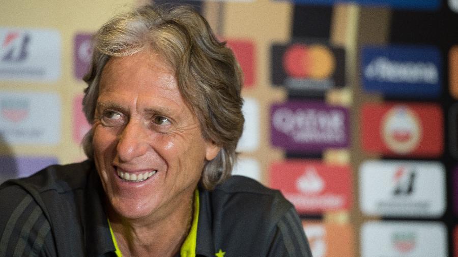 Jorge Jesus sorri durante entrevista no Flamengo - Alexandre Vidal/Flamengo