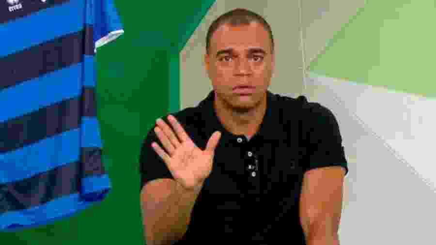 """Denilson durante programa da """"TV Bandeirantes""""  - Reprodução"""