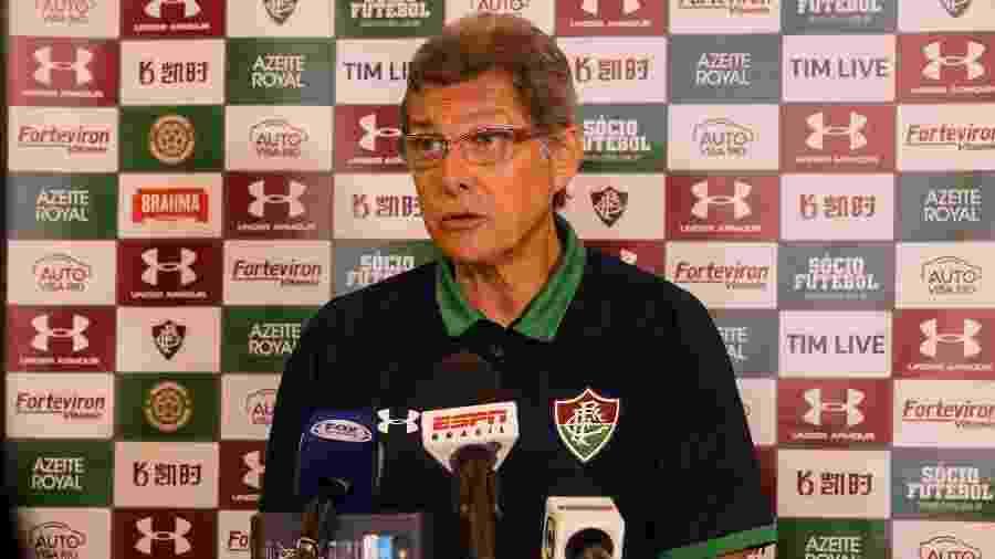 Oswaldo defendeu escalação do Fluminense com apenas um volante no meio campo - Lucas Merçon/Fluminense FC