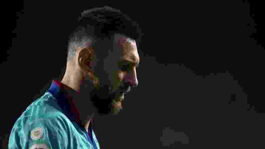 Lionel Messi participa do confronto entre Granada e Barcelona - JORGE GUERRERO / AFP