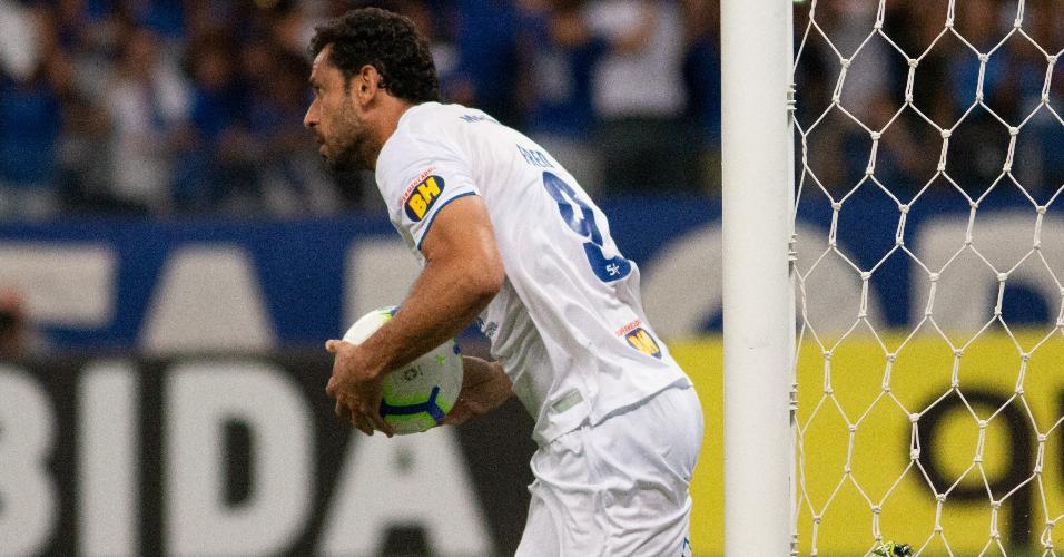 Fred comemora gol do Cruzeiro contra o Internacional