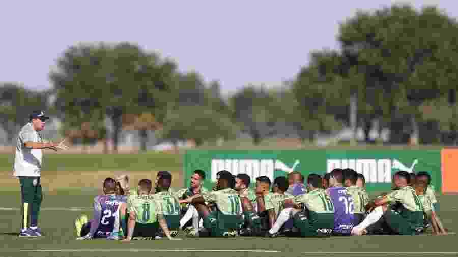 Vanderlei Luxemburgo conversa com jogadores do Palmeiras em treino nos EUA - Cesar Greco/Ag. Palmeiras/Divulgação